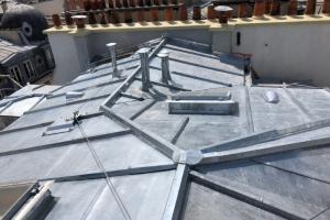 Terrasson zinc, ligne de vie, noue, souches de cheminée et brisis zinc